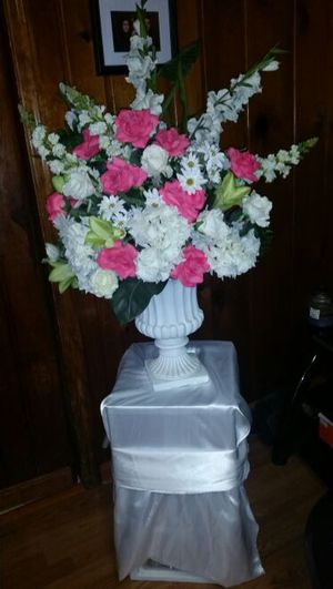 Thomas collectors edition antique telephone for sale in silver flower arrangements for wedding or quinceanera for sale in silver spring md mightylinksfo