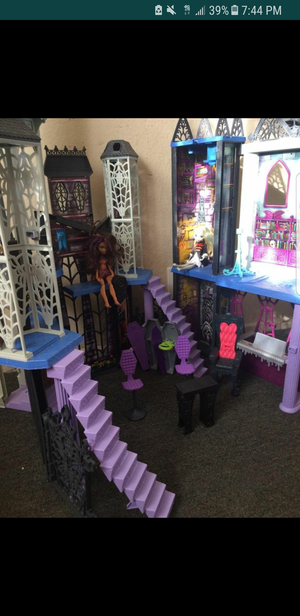 Monster high doll house for Sale in San Diego, CA