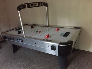 Arcade sized air hockey table (WORKS) for Sale in DeLand, FL