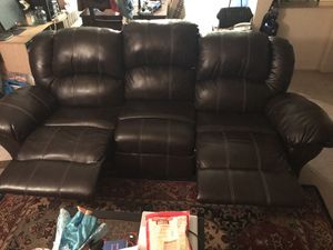 Leather reclining couch for Sale in Temple Hills, MD