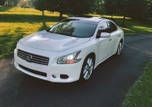 Photo 2010 Nissan Maxima SV White Color Interior