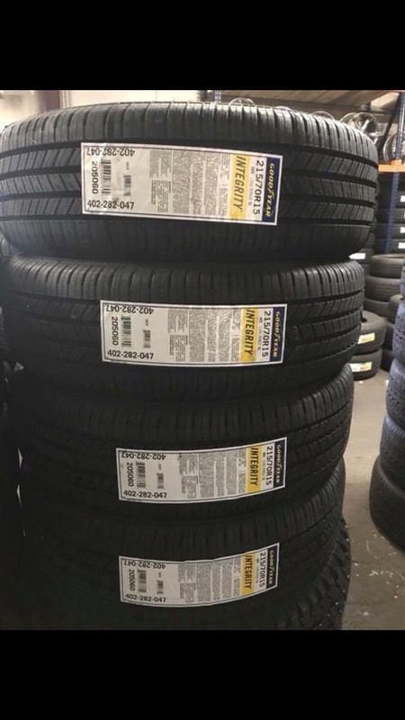 Tires Made In Usa >> 4 Brand New Tires 215 70r15 Goodyear Tire Made In Usa Only