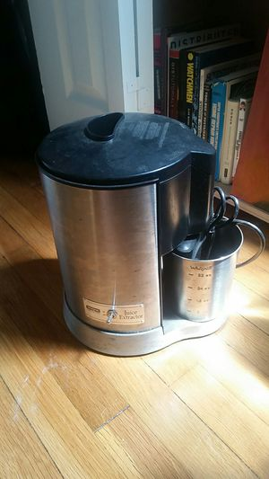 Waring Health Juice Extractor (juicer) for Sale in Washington, DC