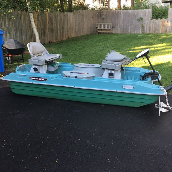 fishing boat pelican rhino 10 ft for Sale in Bristol, CT - OfferUp