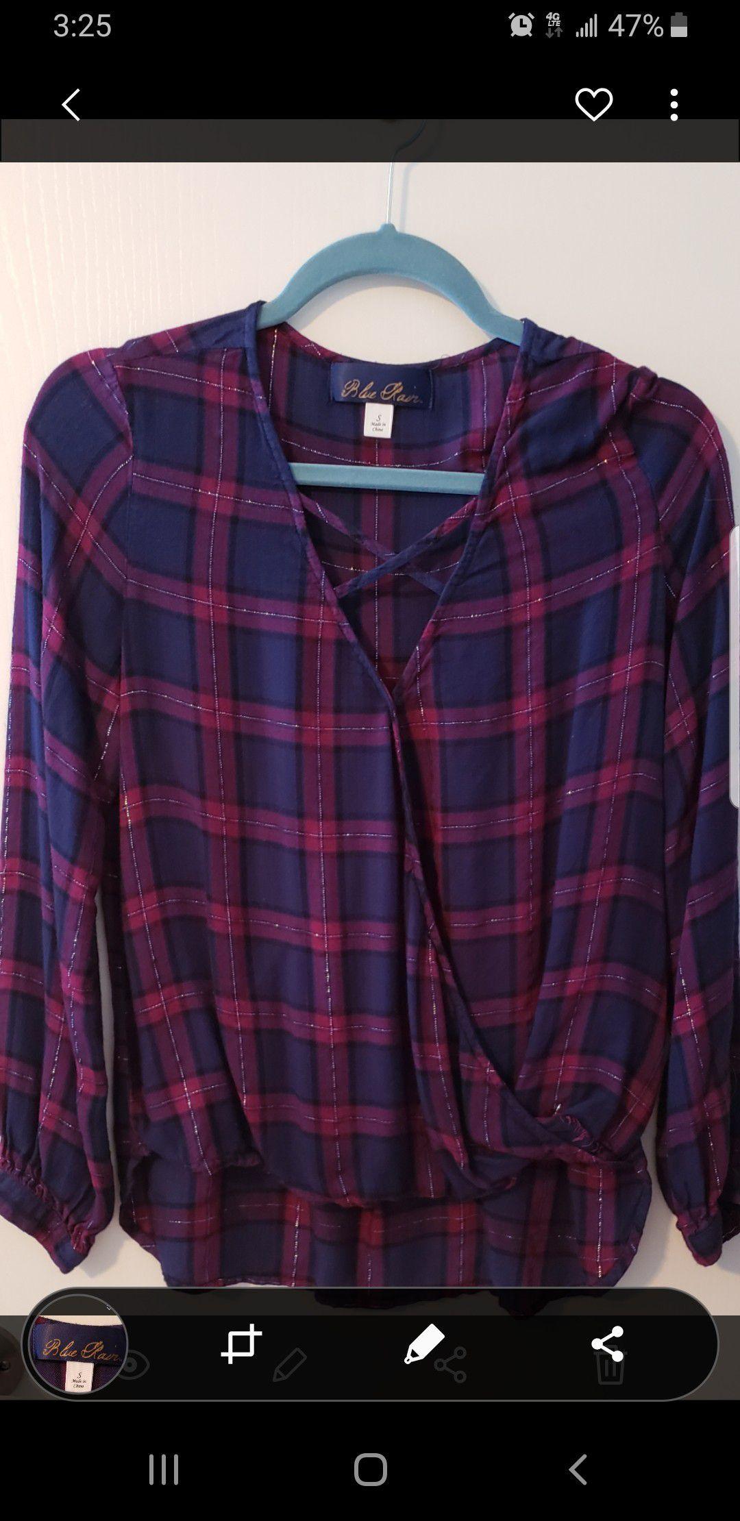Ladies plaid shirts