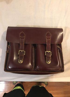 Leather briefcase no strap for Sale in Tampa, FL