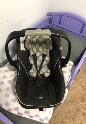 Britax Infant car seat for Sale in Washington, DC