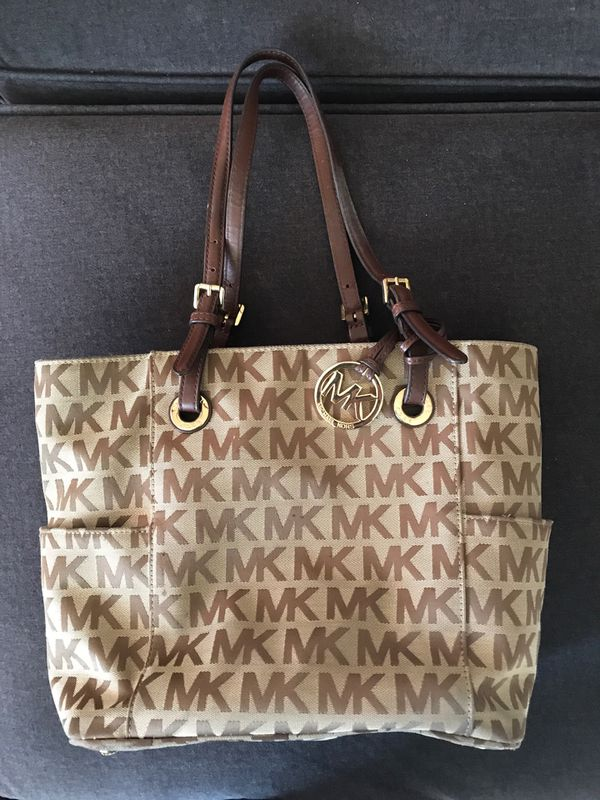 Used Michael Kors Handbags >> Used Michael Kors Purse For Sale In Westminster Co Offerup