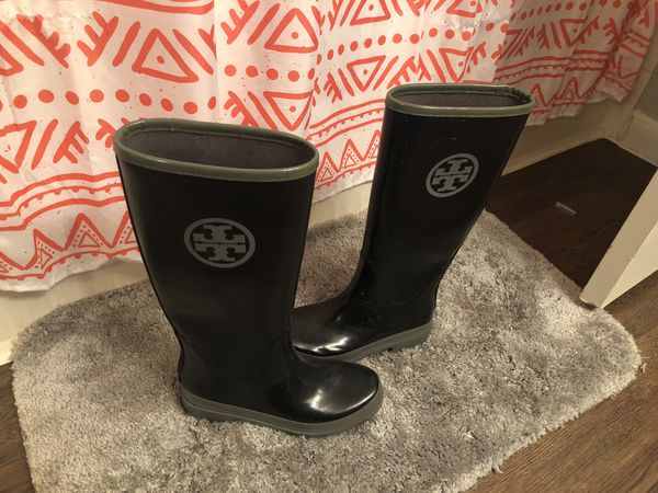 ade90c48f67 Tory Burch Rain Boots size 8. for Sale in Houston, TX - OfferUp