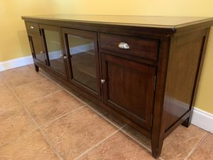 Entertainment or dinning room table piece for Sale in Miami, FL
