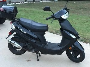 Scooter Tao-Tao 50cc for Sale in St. Louis, MO