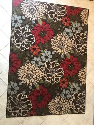 Better Homes and Gardens Sorbet Faux Hook Floral Area Rug or Runner, in good condition 5'X 7'(smoke and pet free home) pick up only. for Sale in Franconia, VA