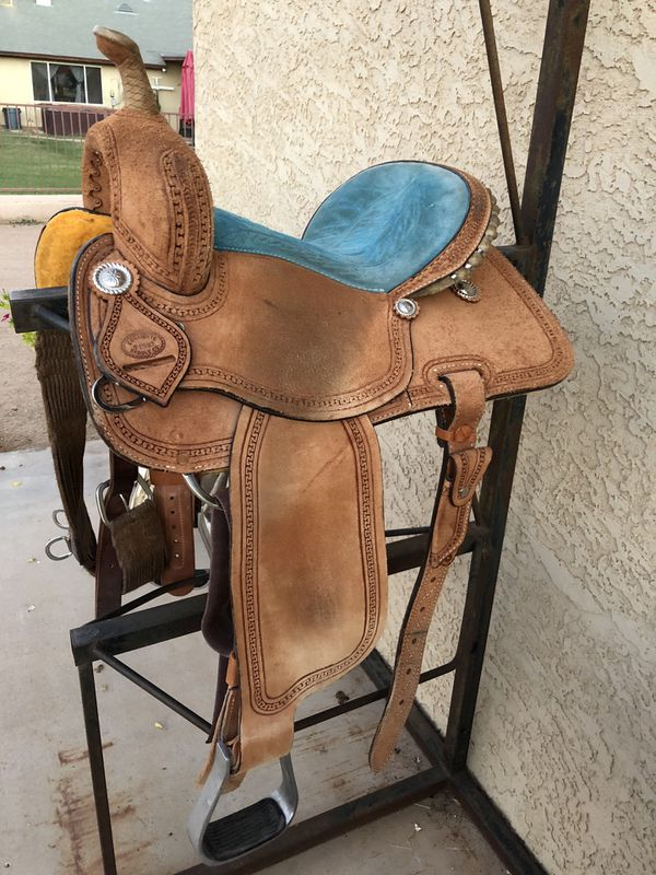 "13 1/2"" barrel saddle for Sale in Gilbert, AZ - OfferUp"