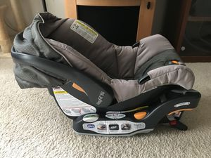 Keyfit 30 infant car seat with base 2018 for Sale in Herndon, VA