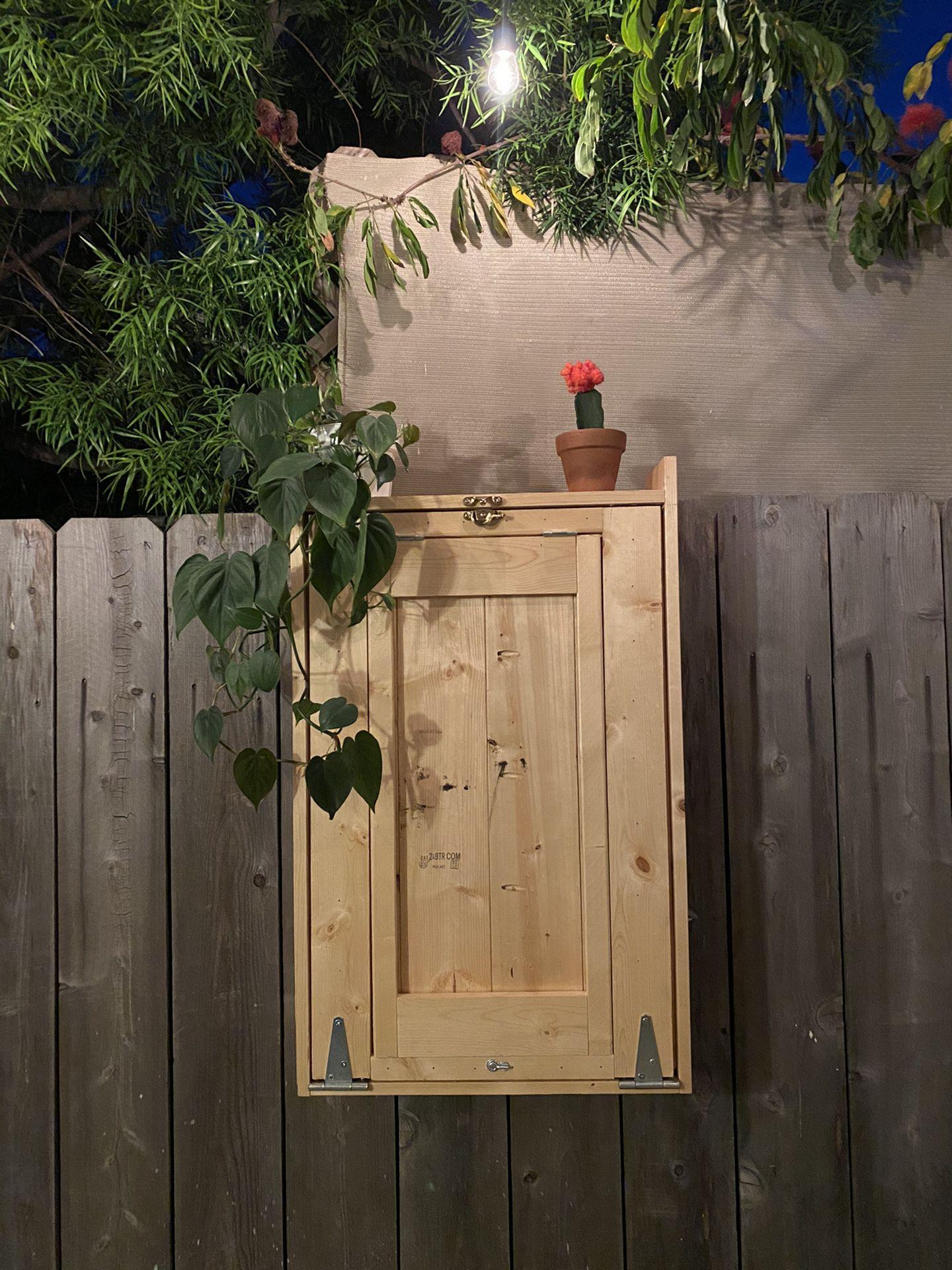 Backyard Murphy Bar: Built-to-order