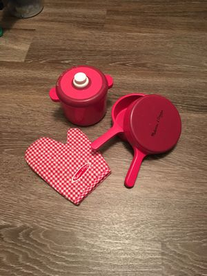Melissa doug pan and pot glove kitchen play set for Sale in Franconia, VA