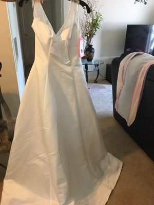 Wedding dress size 8 for Sale in Ashburn, VA