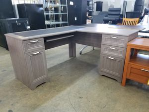 L desk for Sale in Miami, FL