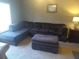 Photo Sectional antique leather chair with ottoman and chase lounge