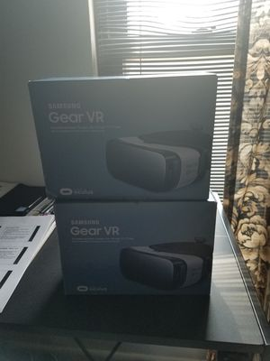 2 samsung VR Oculus goggles for Sale in Greenbelt, MD