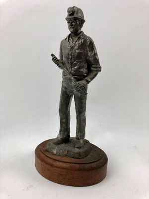 """10"""" Tall vintage solid pewter (5 lbs) sculpture of miner on wood base - collectible statue for Sale in Palm Beach Gardens, FL"""