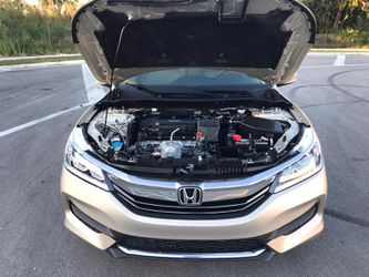2017 Honda Accord Thumbnail
