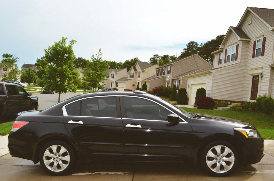 Camera installed with rear view Honda Accord 2008 EX-L mirror/monitor installed