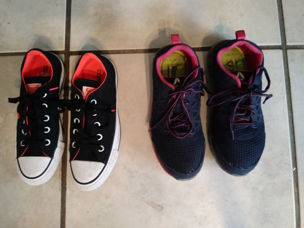 3486f7c482ca81 Womens tennis shoes size 6 Reebok Converse for Sale in San ...