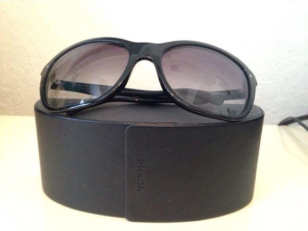 289dd73c7a Prada Sunglasses/ Lentes de Sol Prada originales for Sale in Miami ...
