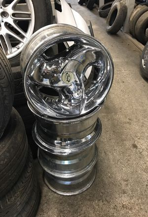 6 lug chrome Dodge wheels for Sale in Brentwood, MD