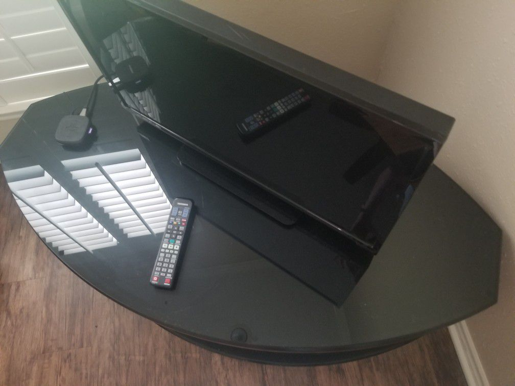Very solid tv stand