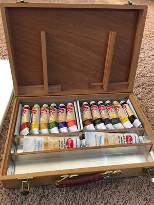 Utrecht Paint set with 2 canvas for Sale in Clermont, FL