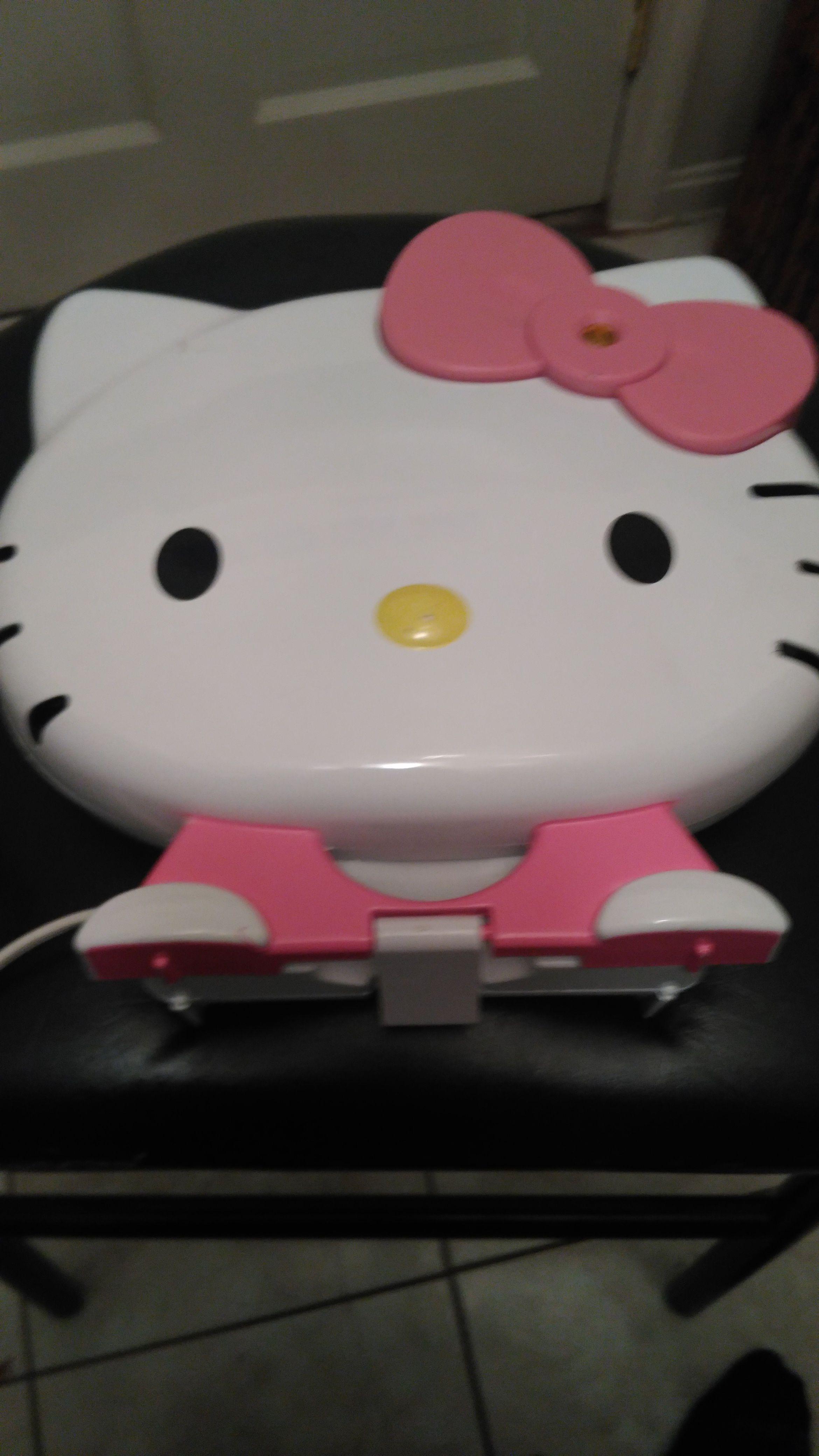 HELLO KITTY Pancake MAKER### FREE HELLO KITTY PLUSH ANIMAL++++