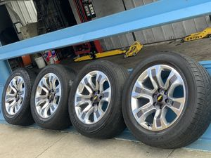 Photo 2018 nice rims for Chevy Silverado Or Chevy Tahoe Or Chevy Suburban size 275/55R20 $800