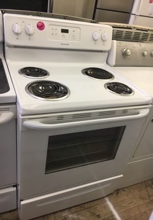 Frigidaire white electric stove for Sale in Cleveland, OH
