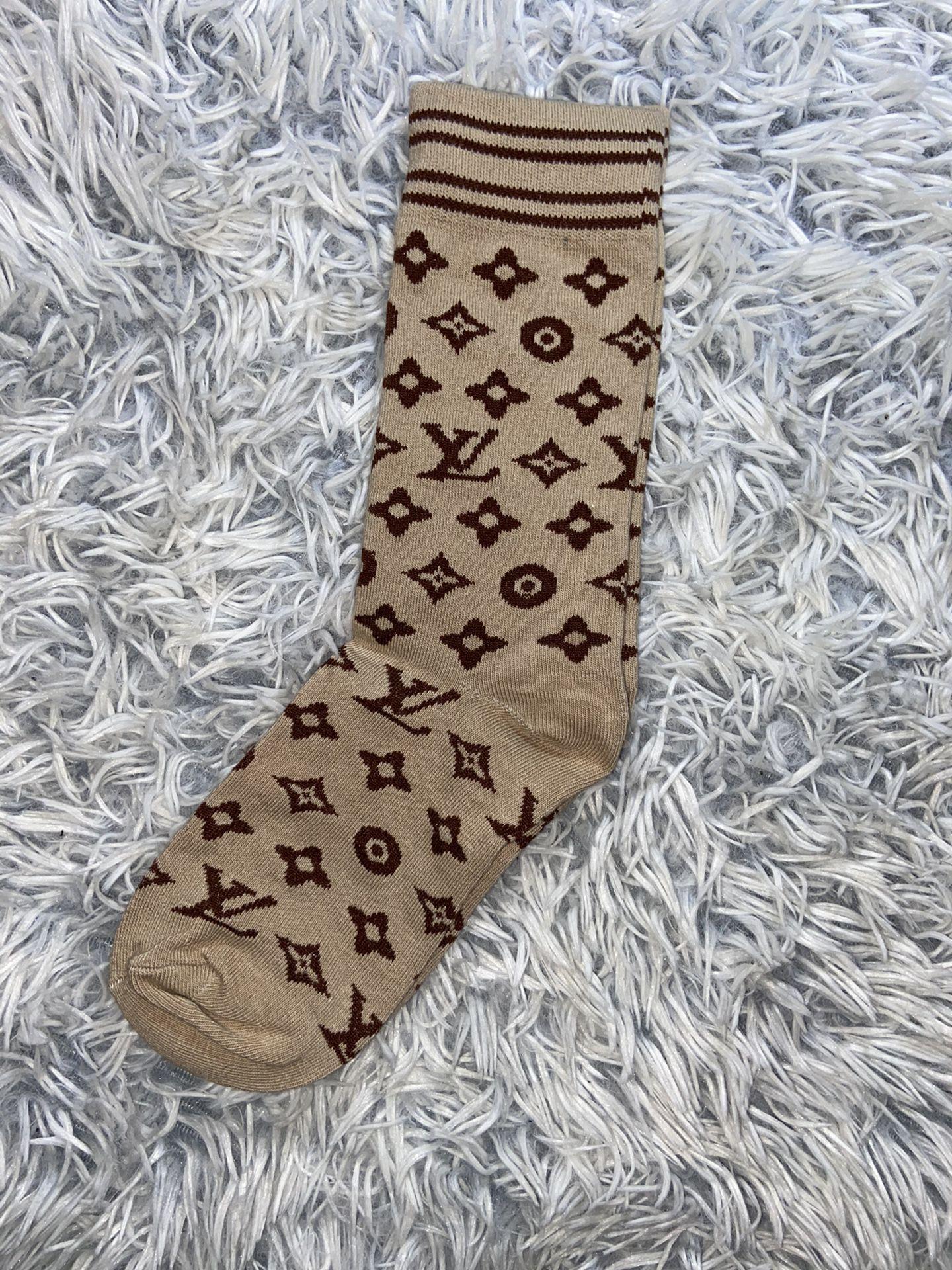 5 Louis Vuitton Socks