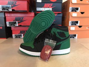 Photo Nike Air Jordan 1 Pine Green DS With Box must sell!!!!