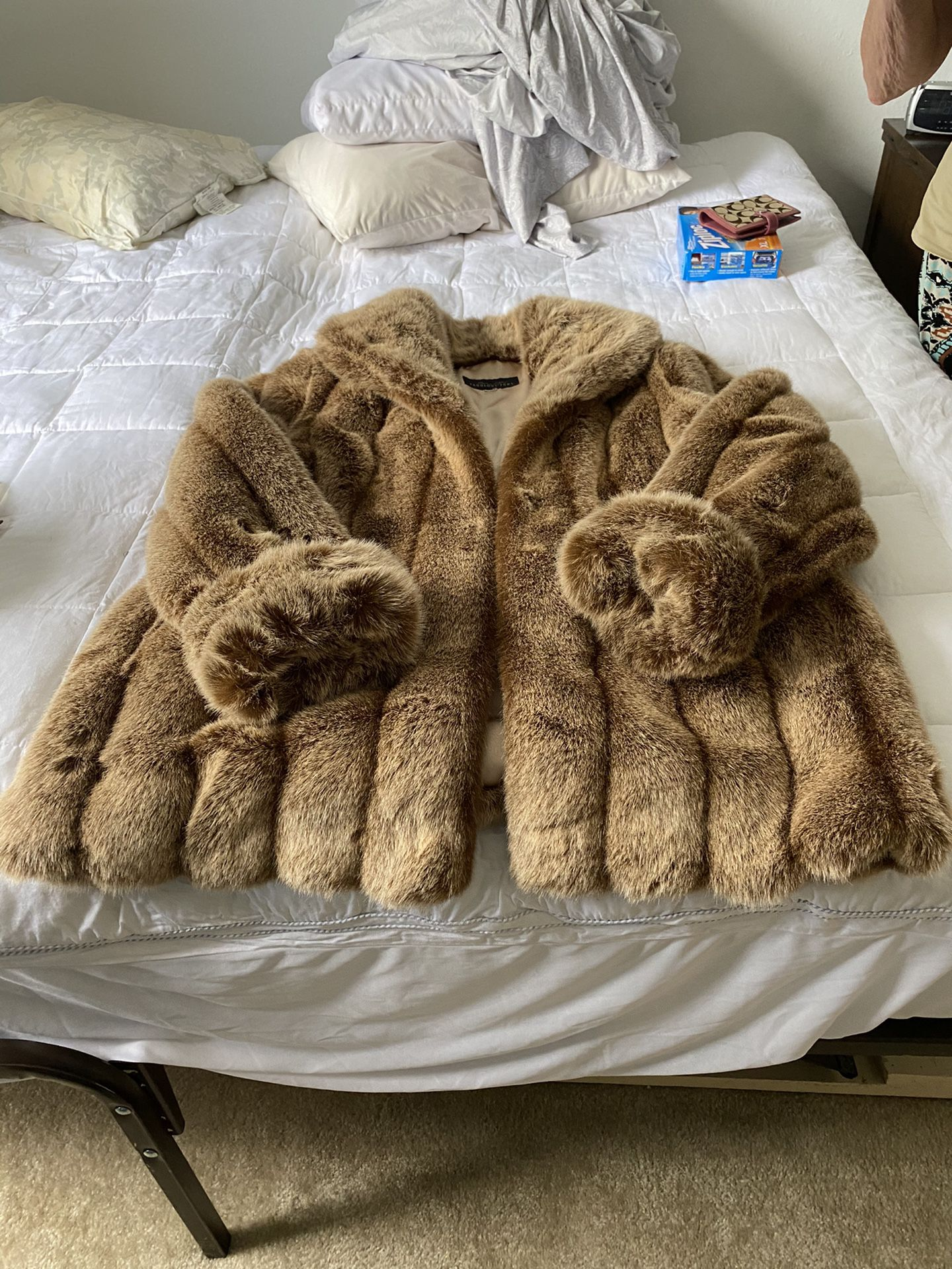 Donna Salyers (Fabulous Furs) Faux Furs Shaw Collar, 3/4 length, 16/18 sells new at $399.00. Worn only a couple times. Like new, immaculate condit
