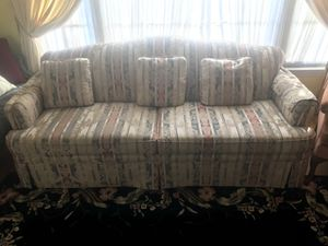 Beautiful like new patterned sofa couch for Sale in Colesville, MD