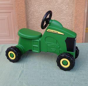 Photo John Deere Sit-N-Scoot Tractor Children's Ride On Toy