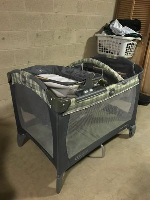 Baby crib changing for Sale in Bethesda, MD