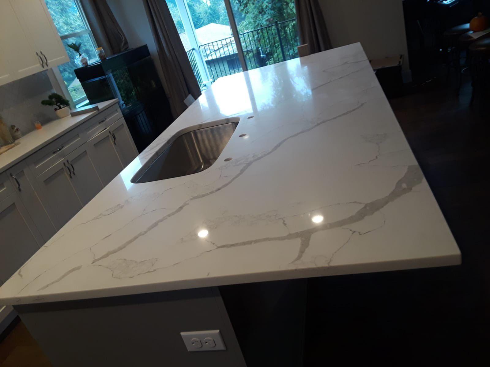 Quartz and granite countertops fabrication