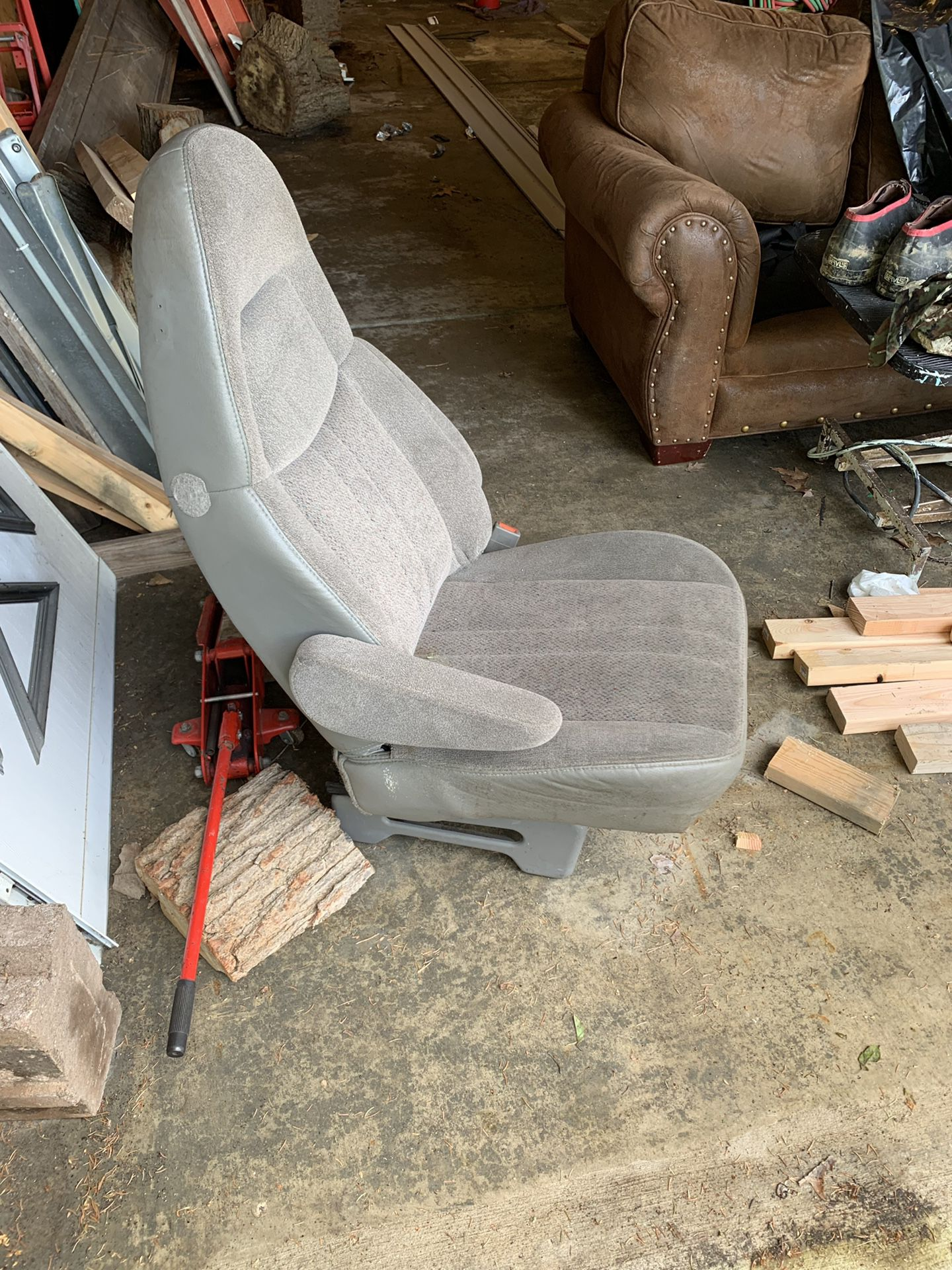 Rear seat to a 2000 Astro van in really good shape