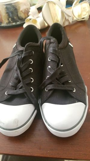 Guess Womens shoes size 11 for Sale in Chicago, IL