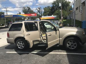 Lincoln Navigator 2004 117000 miles Drives good Nothing wrong with 🚘 for Sale in Towson, MD