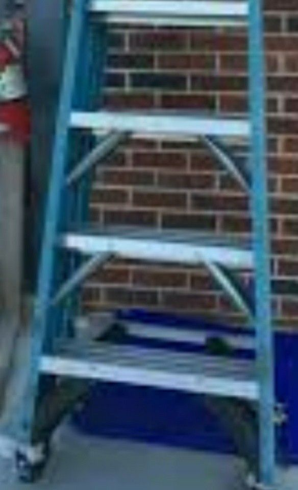 20 good condition 4 foot a frame ladder 20 (Tools & Machinery) in ...