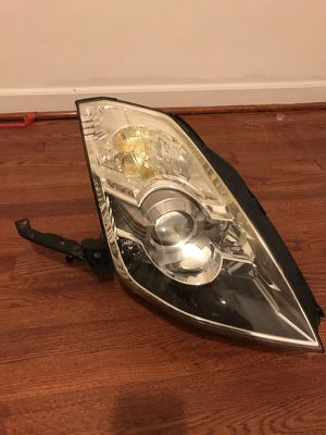 Nissan 350Z 2003-2008 Right Headlight HID for Sale in Hyattsville, MD