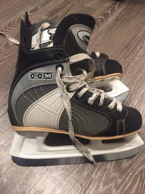CCM Powerline 550 men's 5 skates for Sale in Newark, NJ