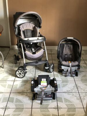 Photo LIKE NEW CHICCO KEY FIT 30 TRAVEL SYSTEM STROLLER CAR SEAT AND BASSINET 3 in 1