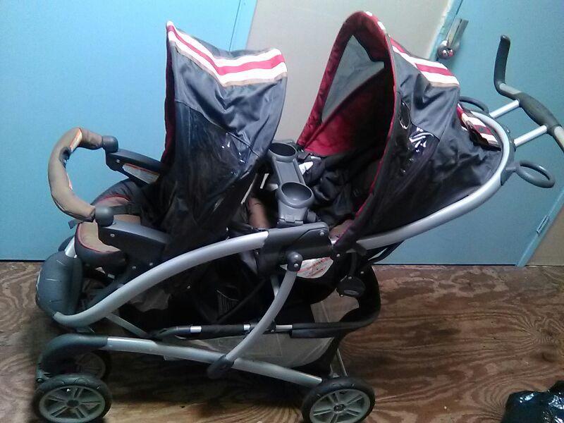 Graco 2 seat stroller